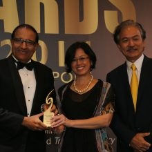 SCA-Awards 2014-Minister Iswaran, Shalyn and Robert Yap-201114