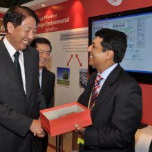 DPM Teo Chee Hean at Trane Booth_0160_1